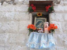 Elizabeth Minchilli in Rome: life + shrines {bari vecchia}