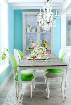 Like the green with the blue in this pretty but informal dining room.