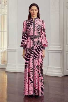 Temperley London Resort 2020 Fashion Show Collection: See the complete Temperley London Resort 2020 collection. Look 9 Fashion 2020, Look Fashion, Fashion Show, Fashion Design, Daily Fashion, Womens Fashion, Maxi Shirt Dress, Dress Up, Summer Fashion Outfits