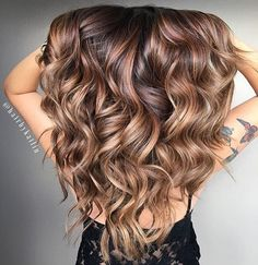 These Beautiful Brown Hair Color With Highlights You'll Want To Try | Brown Hair Color With Highlights | Balayage Hair Colors #haircolor #brownhair #highlighthair #balayage