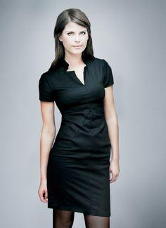 Schwarzes Business Kleid mit kurzen Ärmeln / black elegant midi dress made by Femkit via DaWanda.com
