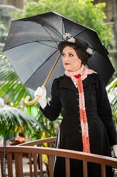 Mary Poppins, photo by Erik Estrada. Adult Halloween Party, Halloween Cosplay, Halloween Costumes, Disney Cosplay, Anime Cosplay, Amazing Cosplay, Best Cosplay, Cosplay Ideas, Costume Ideas