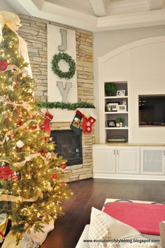 Evolution of Style: Day 1: 12 Days of Christmas Tour of Homes