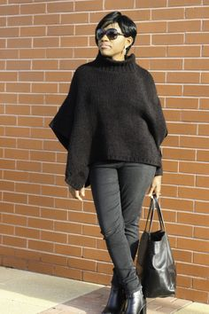Black Friday is on November, and I have a Black Friday outfit idea for you. I love wearing black, it is a great colour to work with regardless of the season. Most of my fou… Friday Coffee, Friday Outfit, Black Friday Ads, Wearing Black, Black Clothes, Ootd, Chic, November, How To Wear