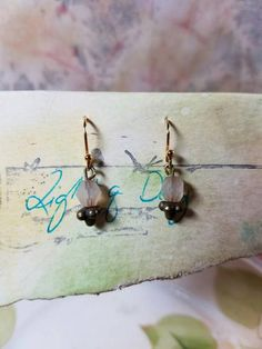 Gold Wire, How To Make Beads, Vintage Pink, Pretty In Pink, My Etsy Shop, Stud Earrings, Creative, Check, Beautiful