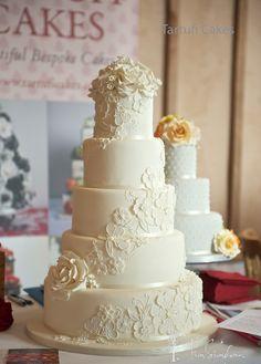 Lace-wedding-cake.jpg (800×1118)