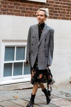 Transeasonal outfit lessons we've learnt from the street style set - including that oversized blazers with floral dresses and Chelsea boots make potentially the best spring and fall outfits.