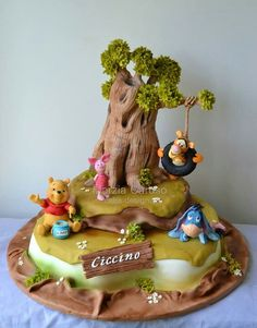 Cake Wrecks - Home - Sunday Sweets Goes Looking For Pooh - Made by Marzia Caruso Fancy Cakes, Cute Cakes, Mini Cakes, Cupcake Cakes, Winnie The Pooh Classic, Winnie The Pooh Cake, Wood Cake, Beautiful Cakes, Amazing Cakes