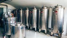 Op bezoek bij Tolmann's Distillery Tonic Water, French Press, Distillery, Gin, Coffee Maker, Kitchen Appliances, Coffee Maker Machine, Diy Kitchen Appliances, Coffee Percolator