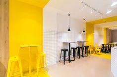 Pico's Grill Restaurant by PPT Interiorismo. Yellow Restaurant, Restaurant Design, Grill Restaurant, Coffee Shop Interior Design, Office Interior Design, Lounge Design, Cafe Design, Pharmacy Design, Pantry Design