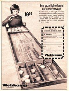 SJOELEN. Vaste prik op kinderfeestjes en braderieen in die tijd! Net als koekhappen. Old Commercials, Childhood Toys, Advertising Poster, Good Old, Vintage Ads, Apocalypse, Board Games, The Past, Memories