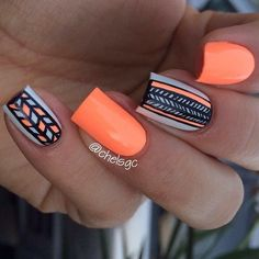 Perfect orange summer nails