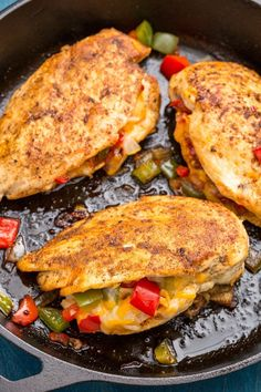 cajun and creole recipes Looking for new ways to switch up your weeknight routine? This Cajun-Stuffed Chicken from is the best! Creole Recipes, Cajun Recipes, Cooking Recipes, Game Recipes, Chicken Breast Recipes Healthy, Easy Chicken Recipes, Healthy Recipes, Healthy Stuffed Chicken Breast, Chicken Diane Recipe