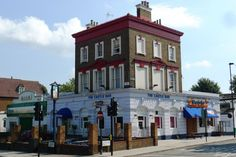 Castle Bar, Holloway, London jigsaw puzzle in Street View puzzles on TheJigsawPuzzles.com