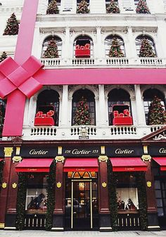 The Pink Pagoda: Cartier at Christmas
