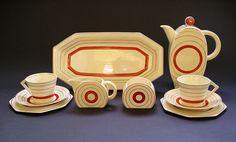 STUNNING ART DECO CERAMICS: CLARICE CLIFF BON JOUR SHAPE TARGET PATTERN COFFEE SET SIX PIECES C.1933-1935