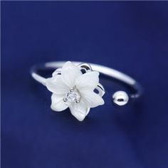 Graceful Blooming Shell Flower Ring in 925 Silver
