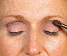 How to apply makeup to lift droopy eyelids