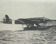 CANT Z 511 uno dei due esemplari costruiti durante il volo di prova. Amphibious Aircraft, Plane Design, Flying Boat, Gliders, Air Force, Whale, Sea Planes, Aviation, Helicopters
