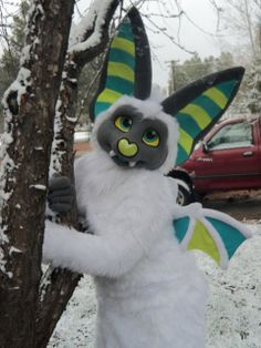 This is an amazing and very well crafted fursuit. Plus its super cute.