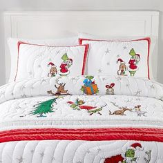 The Grinch& 2019 Quilt + Sham Grinch Christmas Decorations, Christmas Ideas, Christmas Stuff, Little Girl Bedrooms, Girl Rooms, Flannel Duvet Cover, Twin Xl Mattress, Girls Room Design, Girls Bedroom Furniture