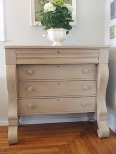 D.D.'s Cottage and Design: Dresser for my Daughter's School Auction