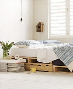 Pallets to Under Bed Storage... not a lot of room but cool idea in general