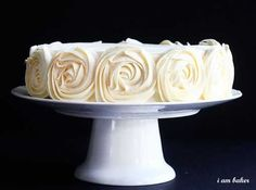 Rose Cake Tutorial...  Looks Fairly Simple..  I'm sure I will make plenty of mistakes but you can't do it without trying!!!