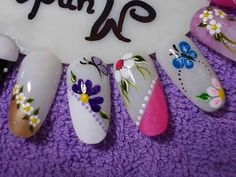 Nails Simple Pedicure Designs, Pedicure Nail Art, Pedicure Ideas, Cruise Nails, Red Toenails, Pretty Pedicures, Nail Patterns, Flower Nail Art, Cute Nail Art