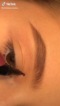 Edgy Makeup, Makeup Eye Looks, Eye Makeup Art, Smokey Eye Makeup, Skin Makeup, Eyeshadow Makeup, Maquillage On Fleek, Makeup Makeover, Creative Makeup Looks