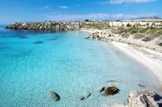 Uncontaminated beaches. Cala della violina, Grosseto, Tuscany, Italy.  http://likemimagazine.files.wordpress.com/2014/03/cala-azzurra-favignana2.jpg