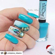 #Repost @crislaine_ribeiro (@get_repost) ・・・ Pedrarias perfeitas e as cores mais lindas de esmaltes La Femme você encontra é claro em www.tatacustomizaçãoecia.com.br #simonetis #tatacustomizaçãoecia #unhascompedrarias #pedraria #unhas #nails #nailsart #nailstagram #nailsgel