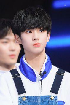 #언더나인틴 #방준혁 #undernineteen #bangjunhyuk Top Gang, Cute Boy Things, Fandom Kpop, Jung Woo Young, Boy Idols, Kpop Guys, Day6, I Win, Most Beautiful Man