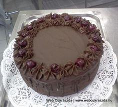 Pizzatészta házilag Austrian Recipes, Hungarian Recipes, Austrian Food, Hungarian Cake, Tiramisu, Birthday Cake, Easter, Ethnic Recipes, Desserts