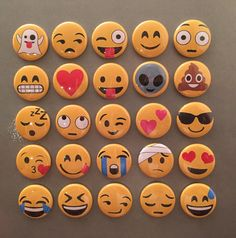 Emoji Magnets - set of by TheFinickyFoxes on Etsy Painted Rocks Craft, Hand Painted Rocks, Craft Paint, Rock Painting Ideas Easy, Rock Painting Designs, Emoji Rocks, Emoji Craft, Rock Crafts, Easy Paintings