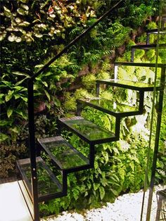 8 Living Walls and Vertical Gardens to Bring a Touch of Spring into Your Home