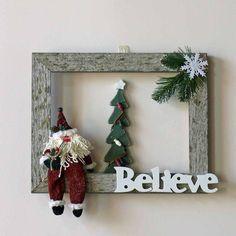 Believe in Santa Weathered Barn Wood Wall Hanging Wreath - Bilderrahmen Picture Frame Wreath, Christmas Picture Frames, Picture Frame Crafts, Wood Christmas Tree, Rustic Christmas, Christmas Fun, Christmas Decorations, Christmas Ornaments, Primitive Christmas