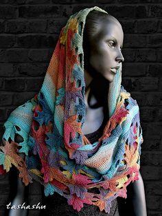 Ravelry: Knitted shawl Autumn Lace pattern by Svetlana Gordon alias tashashu