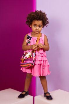Giulia 3 anni, abito Fun, borsa Desigual
