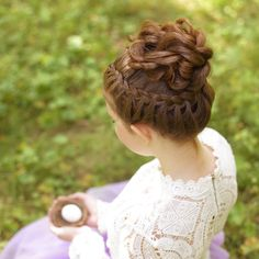 """Picture and braid from our book """"Effortless hairstyles"""". You can find a link in … Picture and braid from our book """"Effortless hairstyles"""". You can find a link in our bio❤️(P. this hairstyle is a lot easier than it looks! Braided Hairstyles, Cool Hairstyles, Updos, New Hair, Long Hair Styles, Pretty, Beautiful, Instagram, Statistics"""