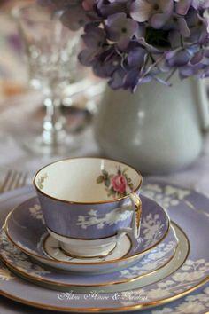 Beautiful lavender china tea set with hydrangeas - gorgeous! Vintage Dishes, Vintage China, Vintage Teacups, Tea Cup Saucer, Tea Cups, Keramik Vase, Teapots And Cups, My Cup Of Tea, Chocolate Pots
