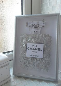 Have to give this a diy try! Glitter picture Chanel no 5 with lots of silver glitter butterflies, in silver glitter frame, Bespoke by Flutterframes on Etsy Chanel Dekor, Chanel Decoration, Glitter Bedroom, Silver Bedroom Decor, Silver Room, Chanel Room, Chanel Wall Art, Licht Box, Photo Deco