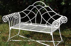 Ein Klassiker unter den Eisenbänken - die Bank Devon, gefunden auf www.country-garden.de