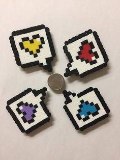 Juego de cuatro imanes hechos a mano. Colores del corazón pueden ser personalizados, si así lo solicita.