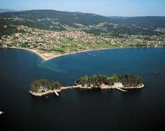La localidad de San Simón pertenece a la parroquia de Cesantes, en el municipio de Redondela