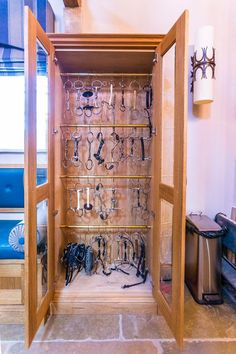 Easy storage solutions and ideas for your horse bits. Here are so affordable options, plus bit storage boxes available for purchase. Dream Stables, Dream Barn, Tack Room Organization, Bit Box, Horse Tack Rooms, Tack Trunk, Barn Renovation, Tallit, Horse Property