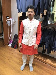Dawar Siddiqui Wedding Kurta For Men, Wedding Dress Men, Wedding Sherwani, Indian Wedding Outfits, Wedding Suits, Trendy Mens Fashion, Indian Men Fashion, Mens Fashion Suits, Nehru Jacket For Men