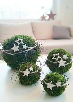 Bildergebnis für weihnachtsdeko hauseingang - New Ideas Noel Christmas, Christmas 2017, Winter Christmas, All Things Christmas, Christmas Wreaths, Christmas Ornaments, Christmas Greenery, Christmas Balls, Green Christmas