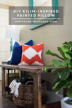 diy-kilim-inspired-painted-pillow-upcycledtreasures