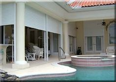 antywłamaniowe rolety zewnętrzne - taras - dom z basenem - rolety aluminiowe - silniki do rolet - polecam http://sklepzoslonami.pl/